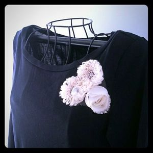 🌼J CREW~Fitted Tee/Flowers have crystals in them!